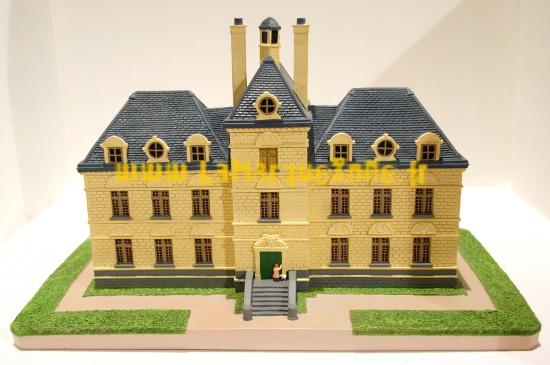 tintin le chateau de moulinsart statuette r sine 26 cm. Black Bedroom Furniture Sets. Home Design Ideas