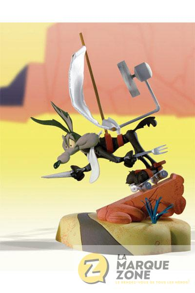 looney tunes road runner wile e coyote scrambled aches assortiment de 2 figurines pvc. Black Bedroom Furniture Sets. Home Design Ideas